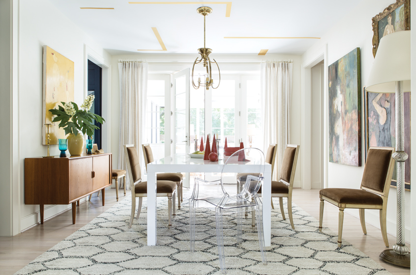 Nestor Santa-Cruz designed an airy, eclectic dining room with an emphasis on art.