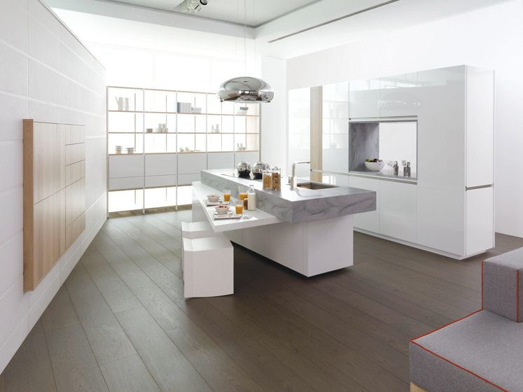 Gamadecor's compact Rooms kitchen.