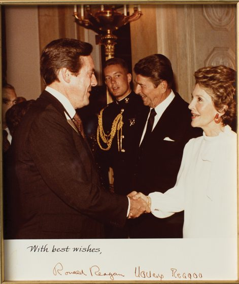 Brock greeting the Reagans at the White House.