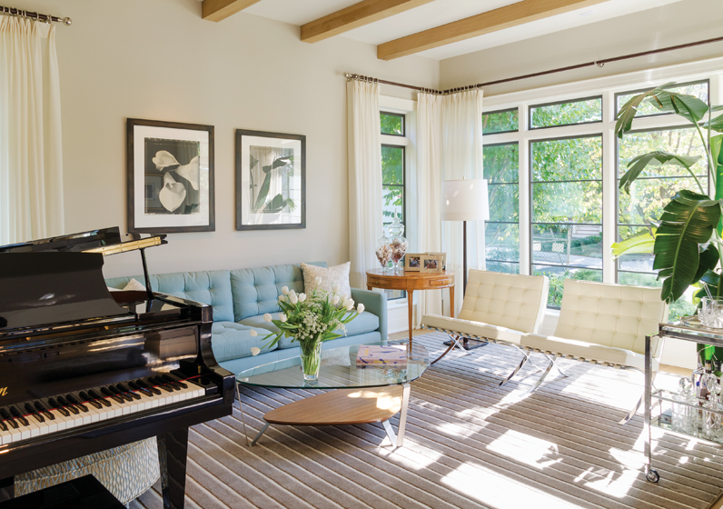 Minimalist window frames, which replaced double-hung windows, convey an industrial vibe.
