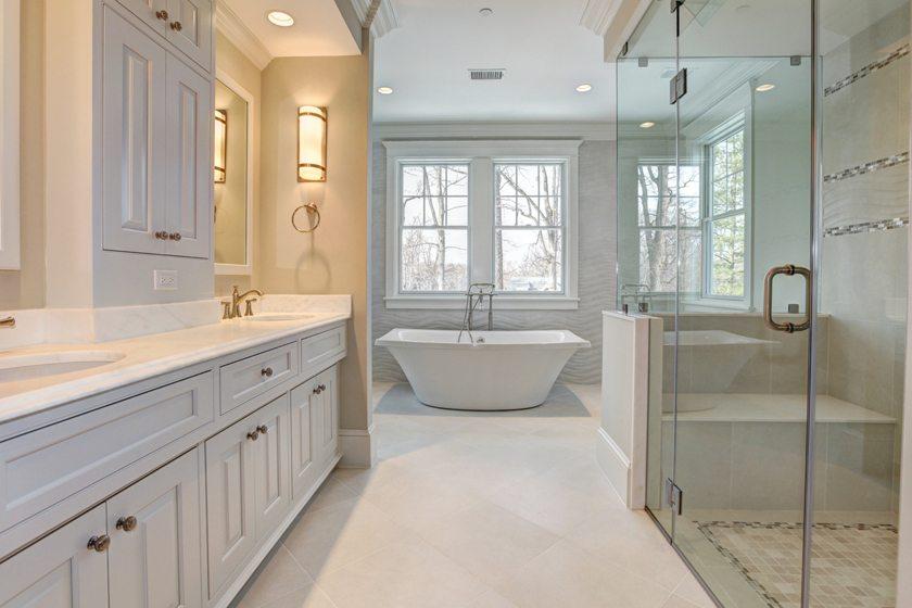 A luxurious bath by Bethesda Builders.