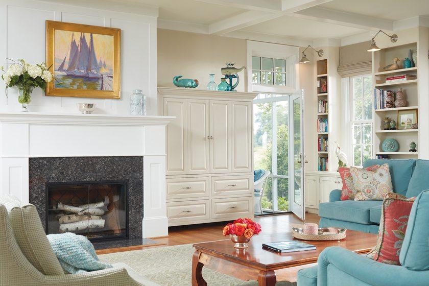Comfortable, coastal-inspired furnishings set a nautical tone in the family room.