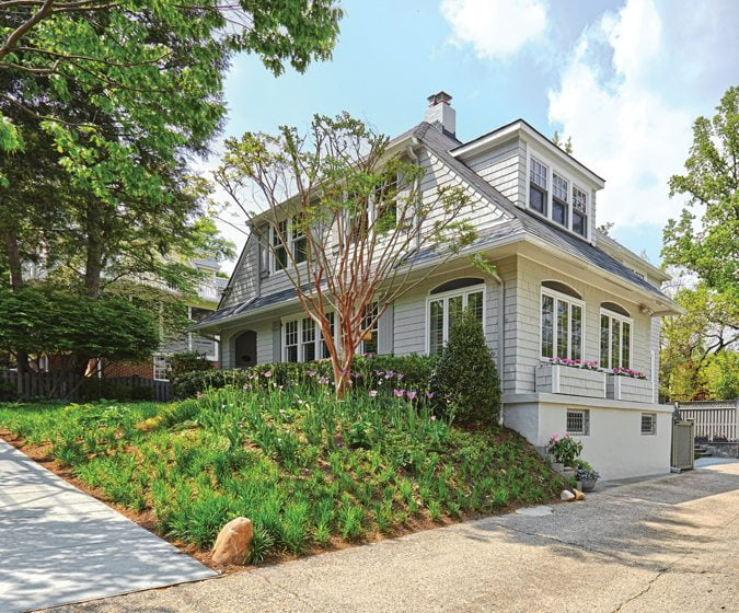Cottage Style - Home & Design Magazine