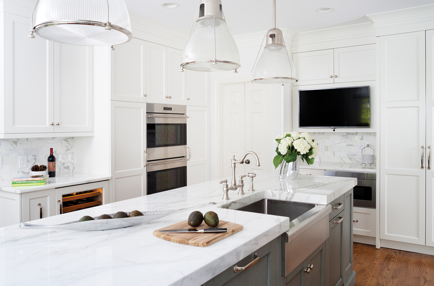 Hedy Shashaani reconfigured the once-cramped kitchen, which now features Elmwood Fine Custom Cabinetry.