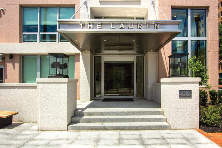 The Lauren welcomes residents. © Studio Trejo