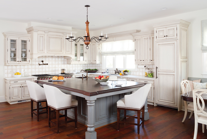 Ronda Royalty brought functionality and style to an oversized kitchen in Alexandria.