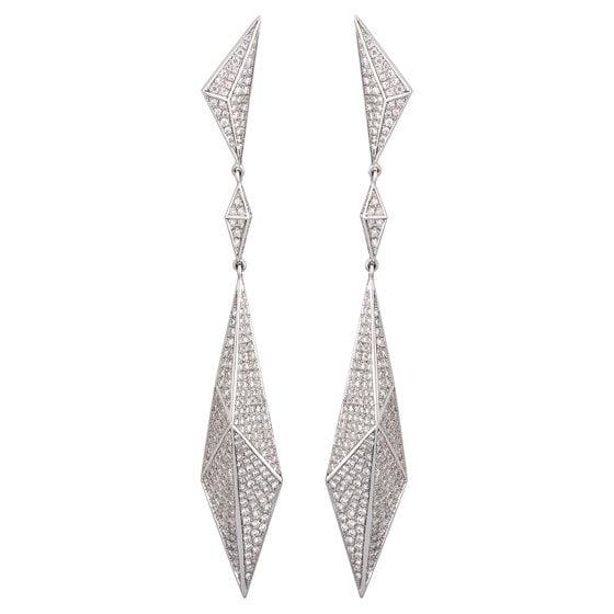 The Invierno jewelry line by Carrera y Carrera.