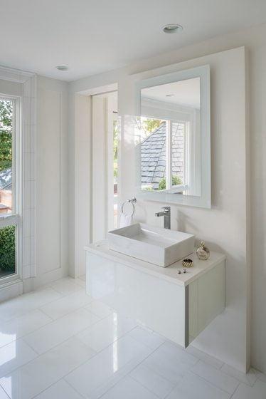 The sleek Robern vanity.