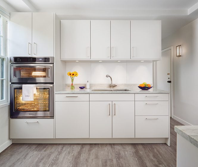 Grand, Residential Kitchen, $60,001 To $100,000: CARNEMARK systems + design.  © ANICE HOACHLANDER.