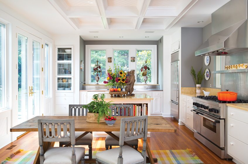 A 1990s renovation by Muse Architects imbued the kitchen with timeless farmhouse style.