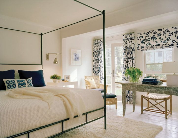 Deftly mixing applications, Gretchen Everett created two separate treatments from the same Victoria Hagan fabric for a bedroom in a project by Jody Macklin. © Anice Hoachlander