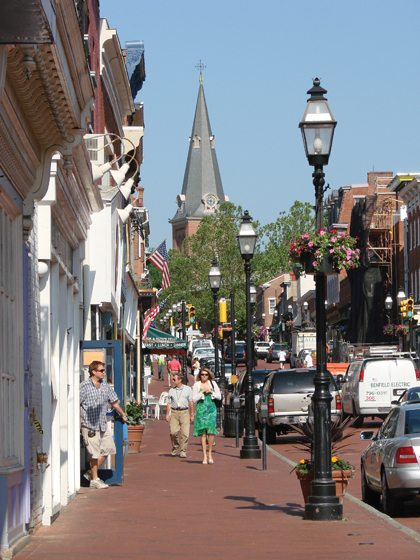 A draw all year round, Main Street is notable for its quaint shops and varied eateries.
