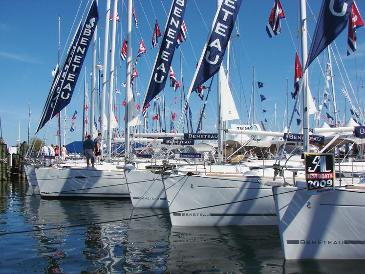 Boat shows take place in the marinas every spring and fall.