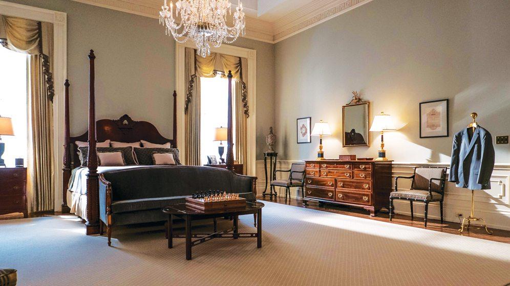 Dark fabrics strike a somber note in Francis's bedroom. © Nikolai Loveikis
