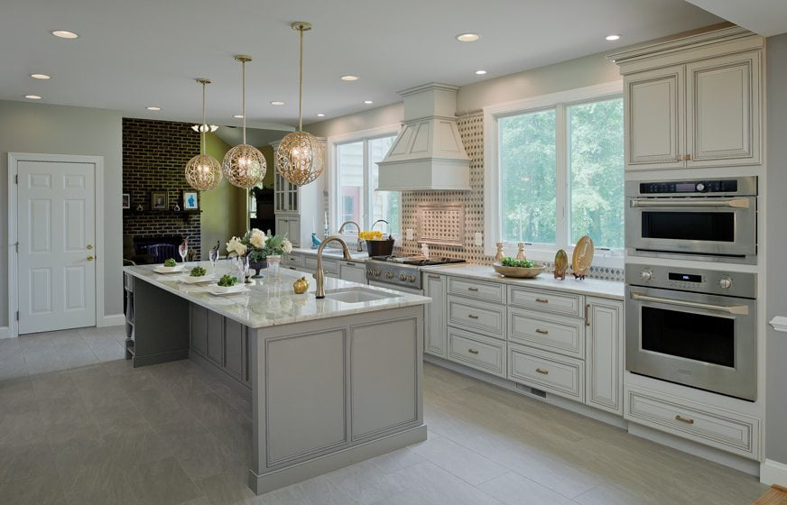 Owings Home Services' traditionally styled Elkridge Kitchen. Photo: Vince Lupo