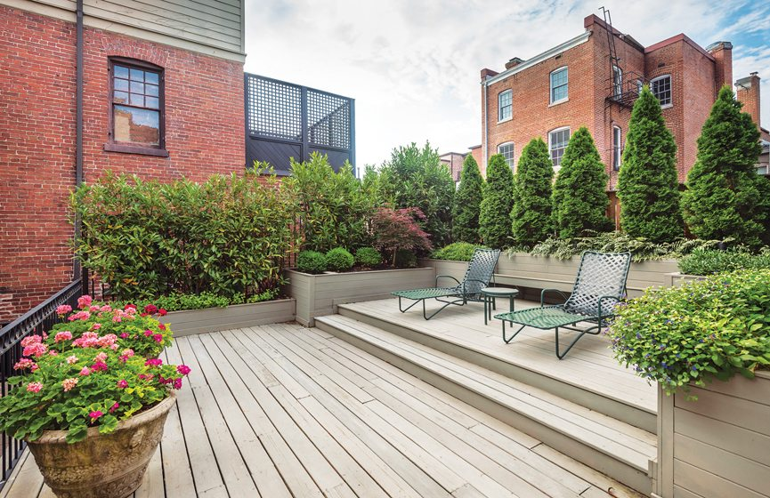 A Residence in Kalorama, John Shorb Landscaping, Inc. Photo: Melissa Clark