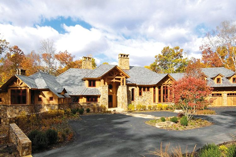 A home in Great Falls, designed by Sutton Yantis and built by Great Falls Construction. © Bob Narod
