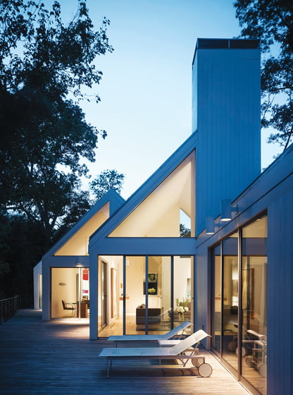 The book features the renovation of a Hugh Newell Jacobsen home by Richard Williams, whose work also graces its cover.