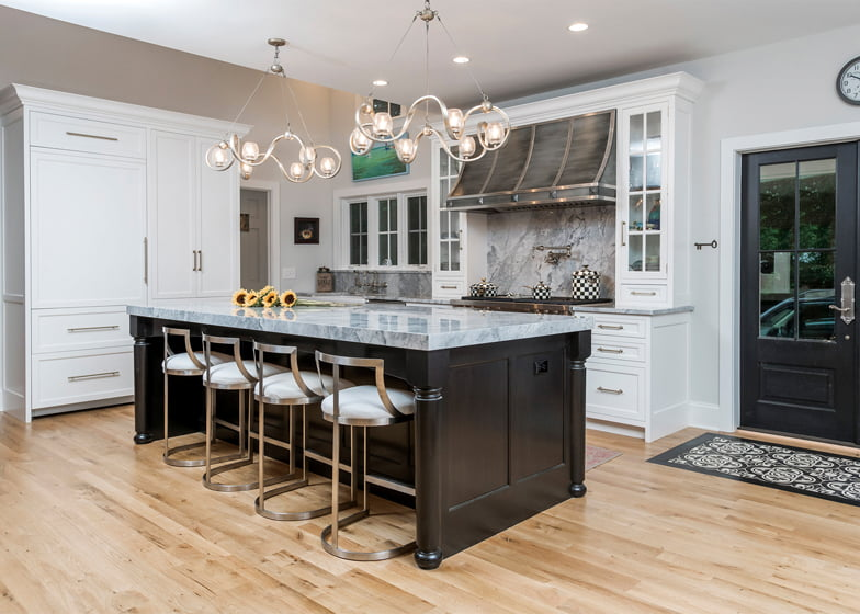 Delbert Adams Construction Group's Luxurious Farmhouse won an Award of Excellence for Interior Remodel over $500,000. Photo: Whitney Wasson