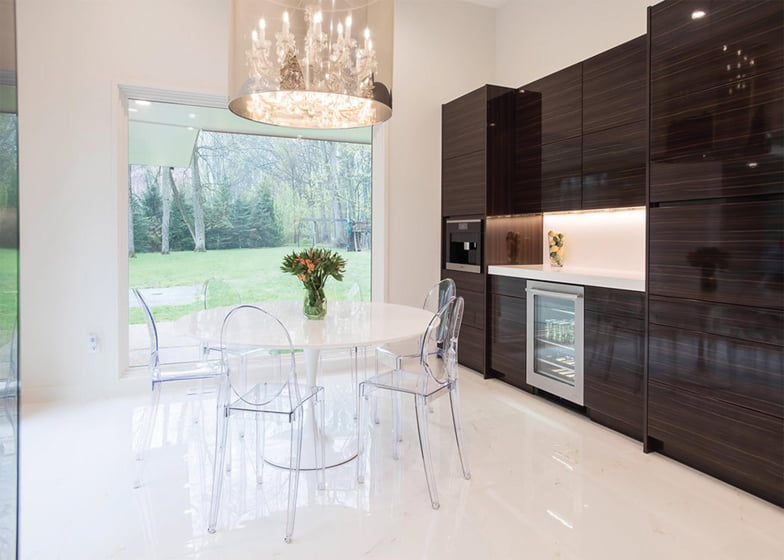 Sunnyfields and Delbert Adams Construction Group's Sleek Contemporary won an Award of Excellence for Kitchen Remodel/Addition $200,000-$300,000. Photo: Whitney Wasson