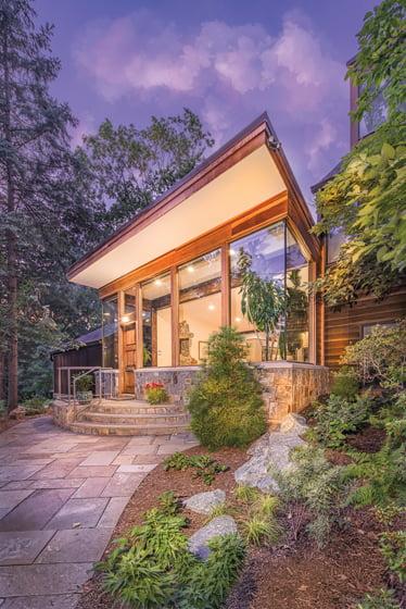 Hopkins & Porter Construction, Inc.: Grand Award for Residential Addition over $250,000. Photo: Ron Solomon.