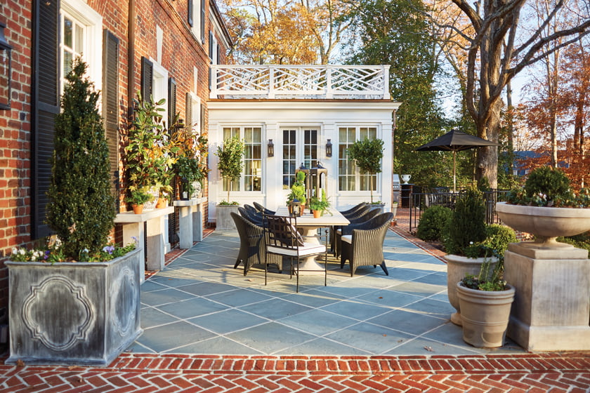 The Paces enjoy al fresco dining at a table from Elegant Earth.