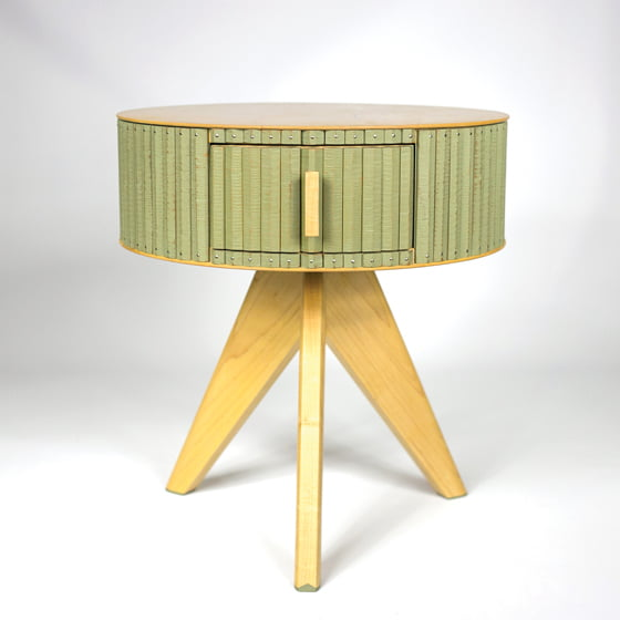 The maple-and-cherry Table 1236, finished with milk paint. © Chris Thomas