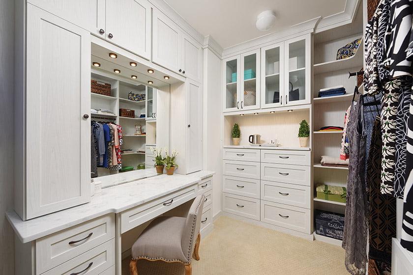 Custom closets resource: Closets by Design