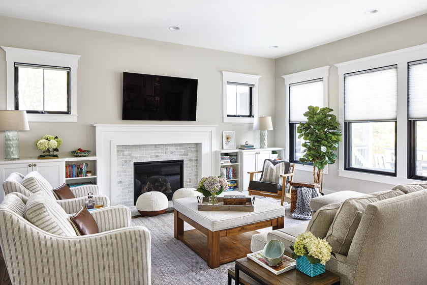 """In Reynolds' recent Vienna project, he outfitted the family room with """"free-spirited"""" furniture and textured soft goods. © Stacy Zarin Goldberg"""