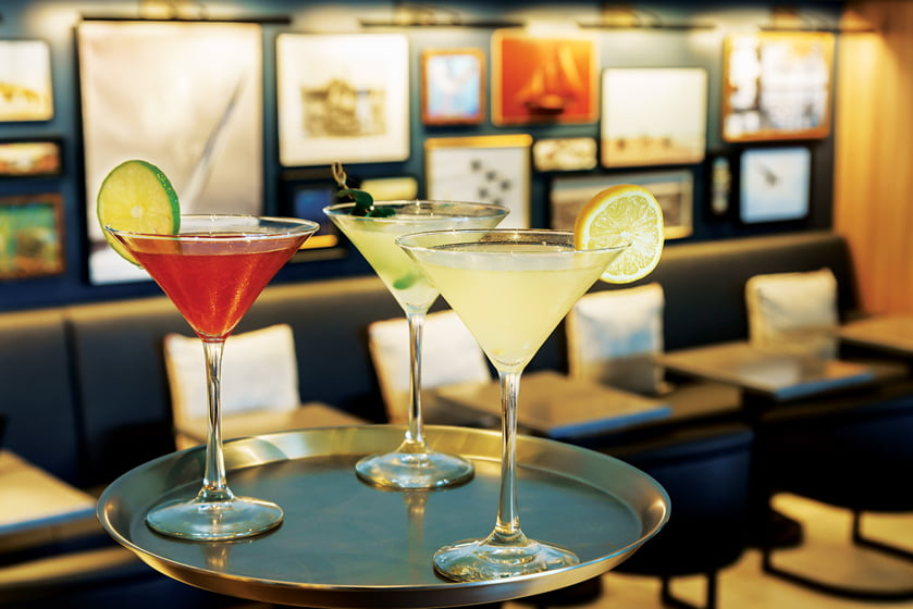 The Kitchen on West St. bar proffers handcrafted specialty martinis.