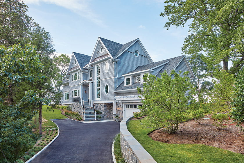 Bayview Builders' Land's End residence received the award for Custom Home over $2 million. © David Burroughs