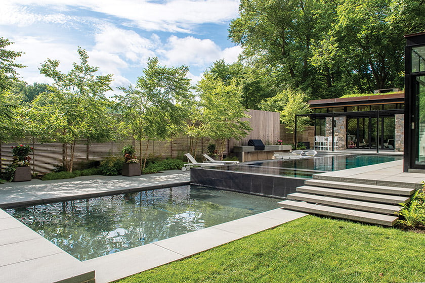 Chesterfield Residence by Planted Earth Landscaping, Inc.; photo: Thomas Walker.