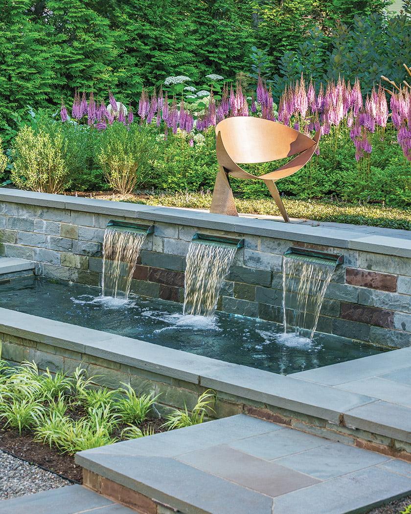 LANDSCAPE DESIGN FIRM: Jennifer Horn Landscape Architecture.  Photo: Allen Russ