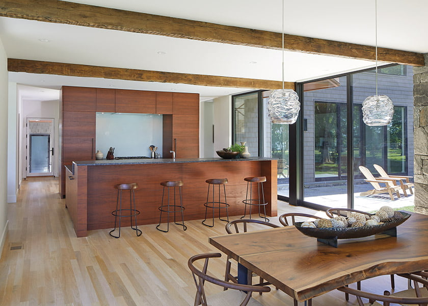 Greg Wiedemann conceived the kitchen as a freestanding object within the open plan.