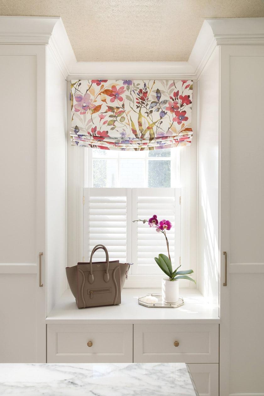 Philp's boudoir is designed to let in the light. © Jenn Verrier