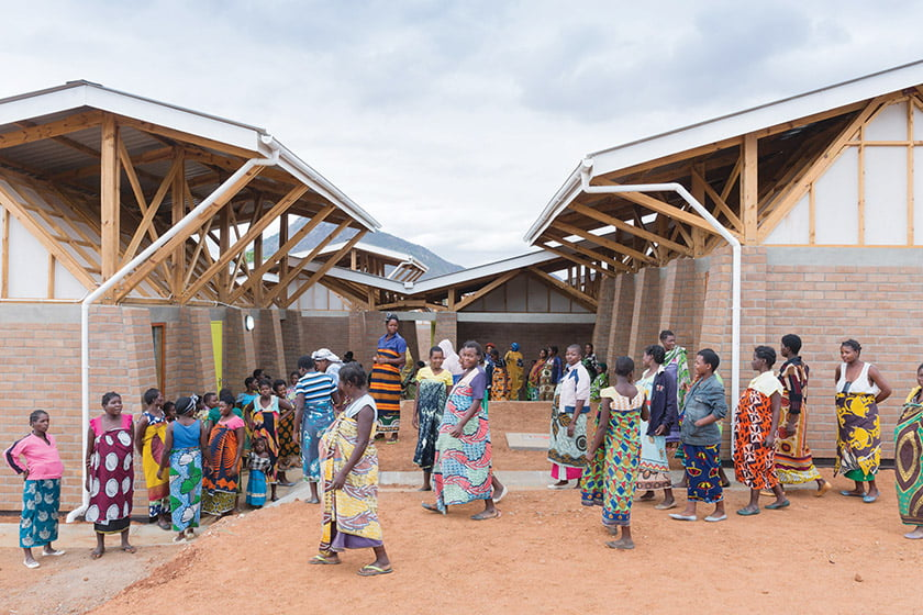 MASS Design Group conceived a Maternity Waiting Village in Malawi, where expectant mothers congregate. © Iwan Baan